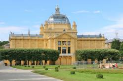 Prédios belíssimos em Zagreb: Pavilhão de arte