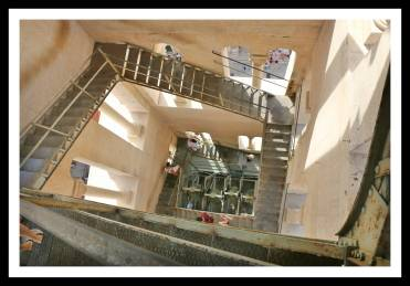 Escadas na torre do sino em Split, no Palácio Diocleciano