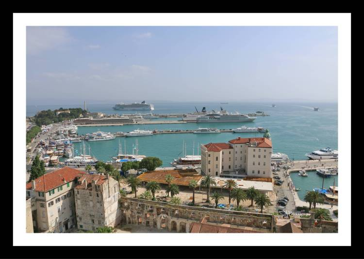 Split vista de cima com porto 2