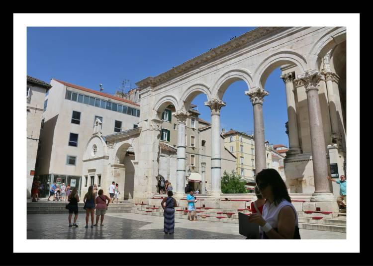 peristil split croacia palacio diocleciano