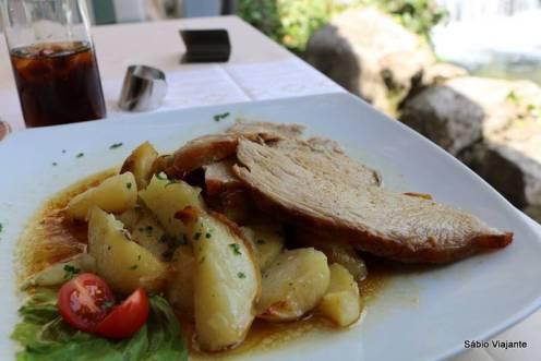 Vitela na peka - Restaurante Konavoski Dvori: a melhor que comemos em toda a viagem!!
