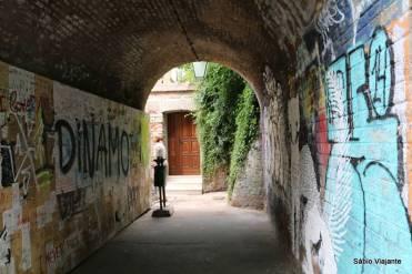 Com direito a túnel...