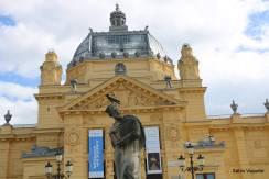 Construído em 1898 em cima de uma estrutura pré-fabricada de ferro vinda de Budapeste - Hungria.