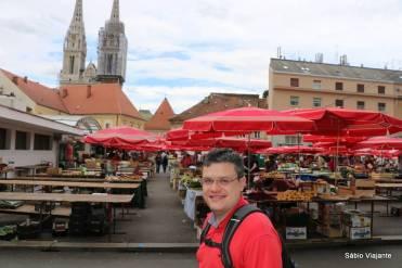 Bem próximo da catedral de Zagreb