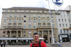 A praça também é conhecida como Jelačić plac