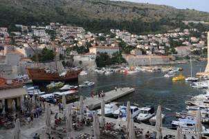 Porto antigo da cidade de Dubrovnik: hoje apenas embarcações turísticas e transporte para a Ilha de Lokrum