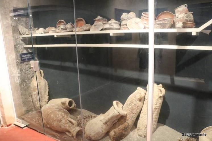 Ânforas e potes, usados pelos antigos mercadores gregos