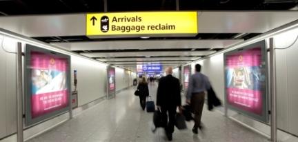 Ou mesmo placas amarelas que indicam restituição de bagagem