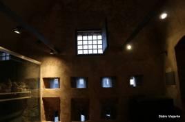 Há um museu no interior da fortaleza
