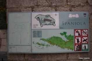O mapa da fortaleza, e algumas orientações (nada de subir nos muros!)