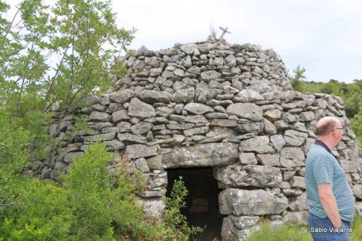 Abrigo de pedra construído sem nenhum tipo de cimento
