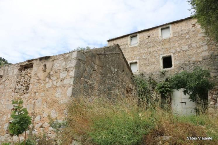Algumas construções resistem em Malo Grablje