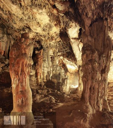 Foram encontrados em Grapčeva mais de 3200 fragmentos do período Neolítico posterior, mas apenas 445 identificados