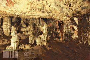 Acredita-se a que a caverna de Grapčeva era usada para rituais, práticas espirituais e mortuárias