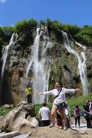 Maior cachoeira dos Lagos Plitvice: fica logo na entrada e é parada obrigatória