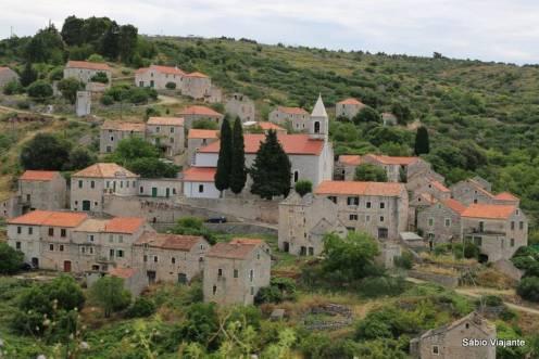 Velo Grablje: Vilarejo ainda habitado e frequentado por locais